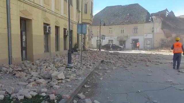Foto In Video Potres Terjal Zivljenje Otroka Evakuirali So Se Tudi Slovenski Poslanci Lokalec Si